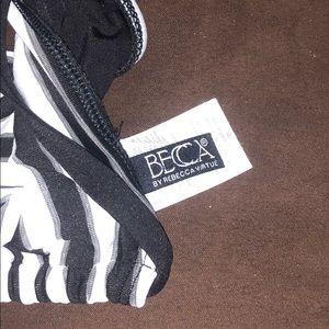 BECCA Swim - Becca Optical Illusion Chevron Triangle Bikini Top